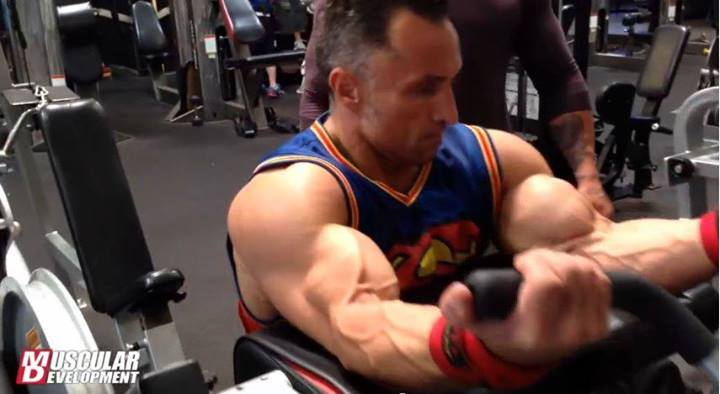 Name:  Derik Farnsworth trains arms, 4 weeks out from the Tampa pro!.jpg