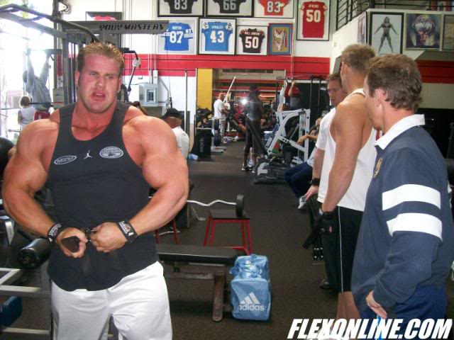 Cutler looking HUGE!(pics from training camp)