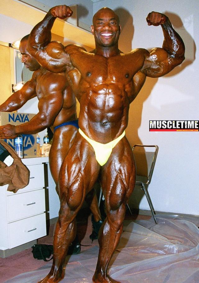 2001 Toronto pro Dexter Jackson & Darrem Charles backstage pictures