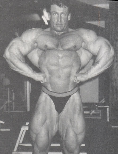 Battle of Mandatories: Who has the best Front Lat Spread?