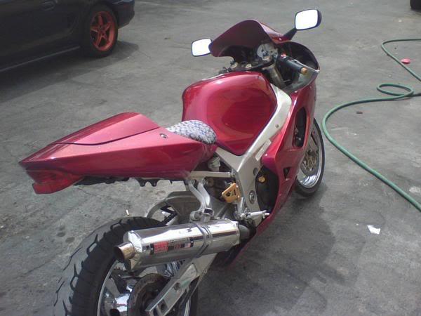 a wheelie i did on my 450r