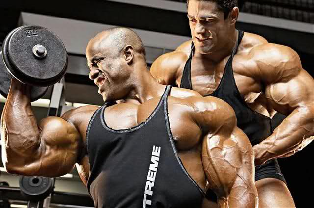 Victor Martinez & Gustavo Badell - Battle of the arms