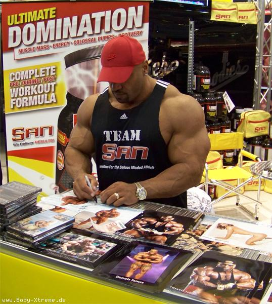 FIBO Power Germany 1st day: Victor & Roelly guset posing and many more...