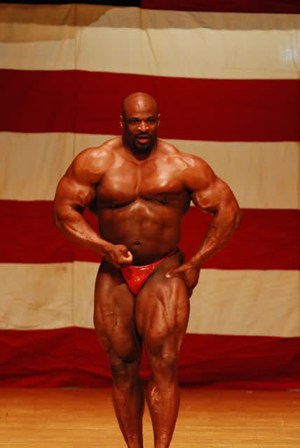 Ronnie Coleman guest posing in Illinois, April 4th 2009