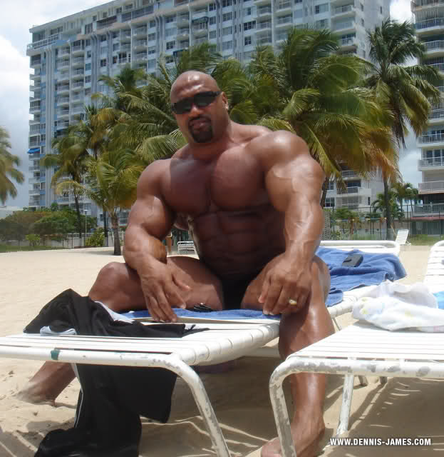 DJAMES:7 weeks out x 270 lbs on the beach in Puerto Rico!