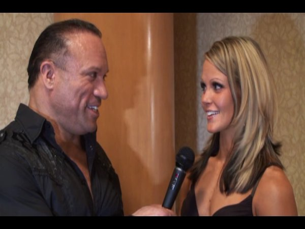 Interviews after the 09 Olympia finals!