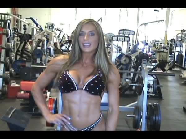 Heather Mae French Trains Upper Body in Preparation for Her Houston Pro Figure Win!