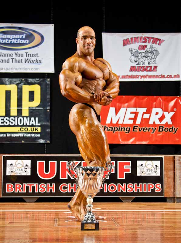 Zack Khan signs with Weider!!