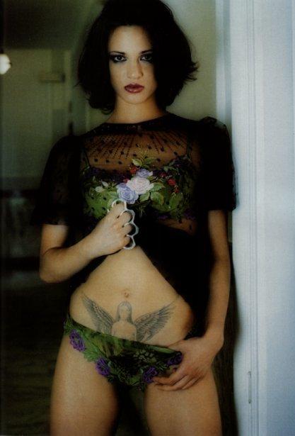 I like girls with tatoos..