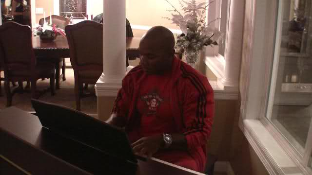 Flex Wheeler playing the piano!