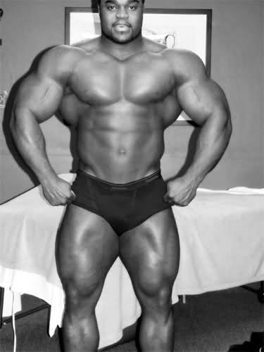 Brandon Curry - 2009 offseason pics