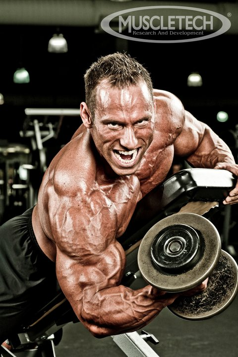 Mike Liberatore signs with Muscletech!