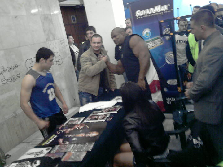 Ronnie COleman guest posing in Bulgaria