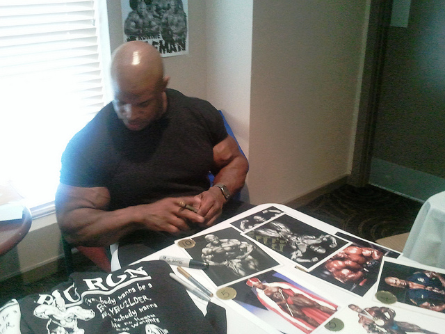 Ronnie Coleman Update Guestposing at N.S.W IFBB Finals Australia March 27 - 2011