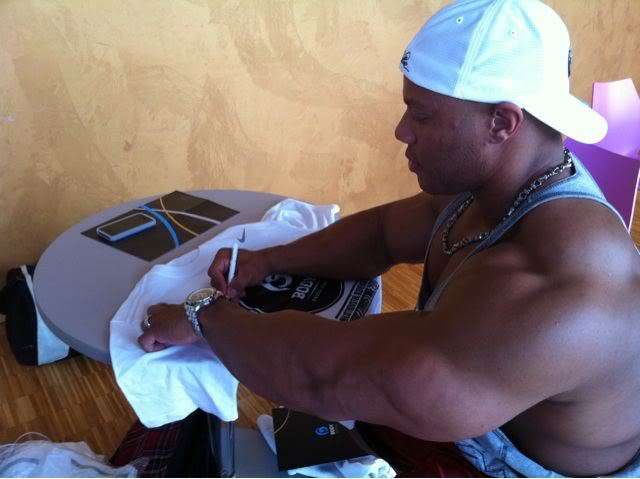 Phil Heath Guest Posing: Bratislava April 30 2011