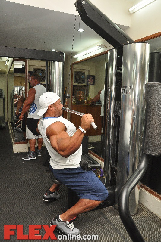 jay n phil working out at the gym16 0 1