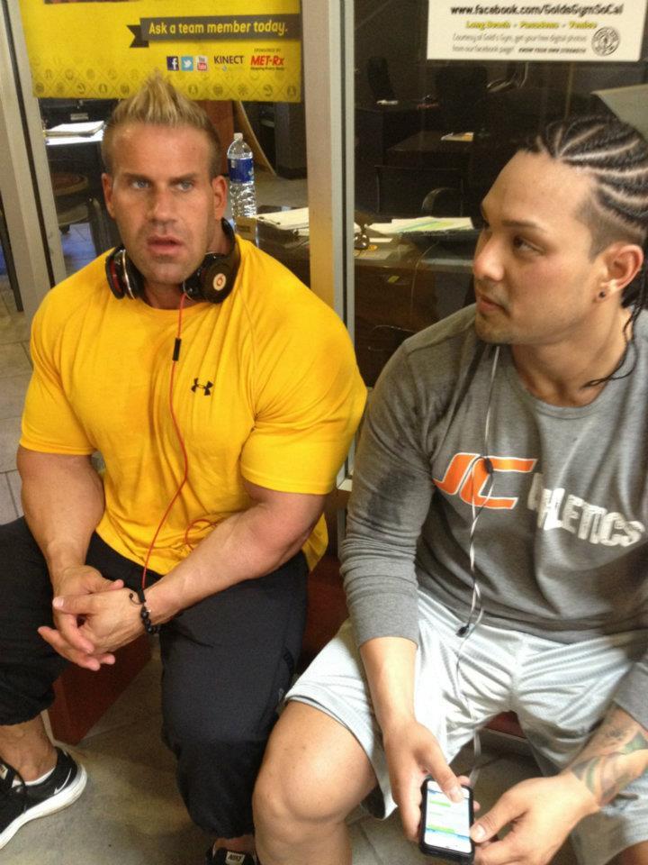 Jay Cutler looking as big as TKOAW!