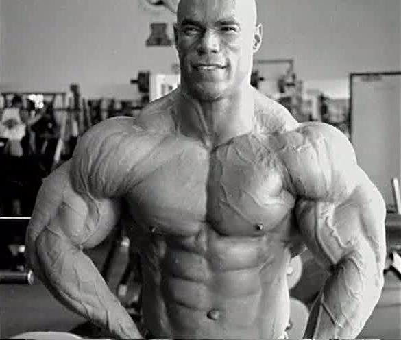 Thread: Phil Heath vs Kevin Levrone (gym pics)