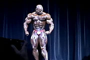 Flex Wheeler - 2000 Arnold Classic PREJUDGING PICS You May Not Have Seen!!!