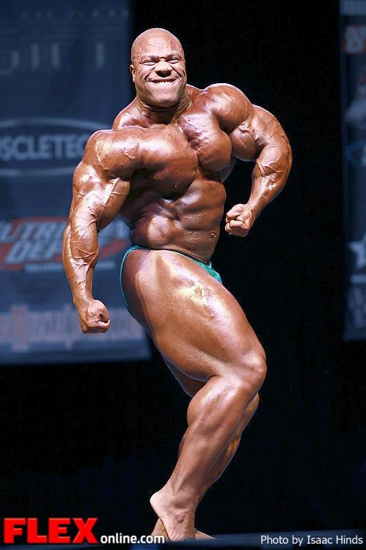 Phil Heath - guest posing @ 2013 Phil Heath Classic!