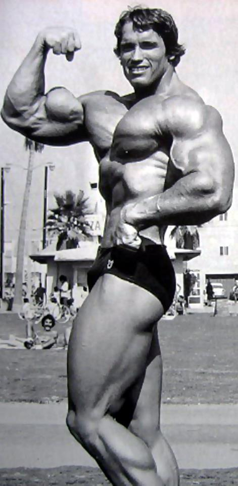 Arnold Schwarzenegger training footage and RARE pics!!