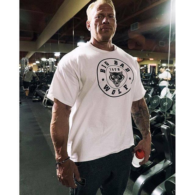 Bad news... big Dennis Wolf injured