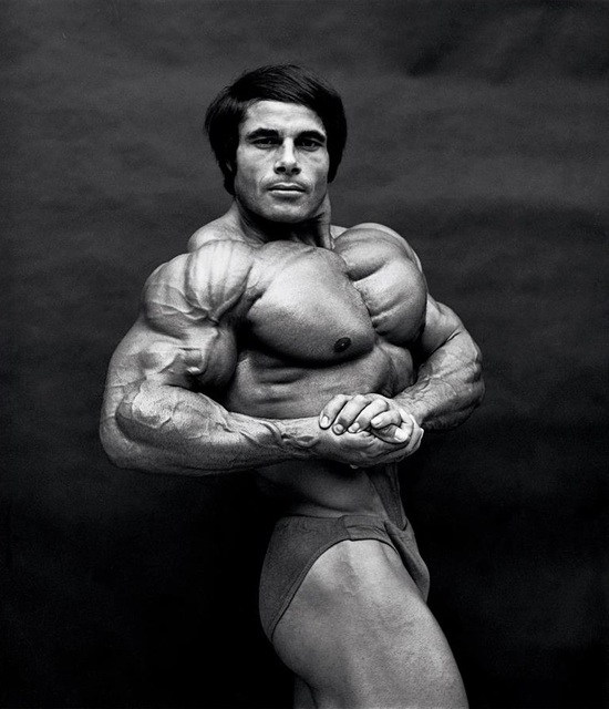 "GBN Bodybulder of the Week ""Franco Columbo"""
